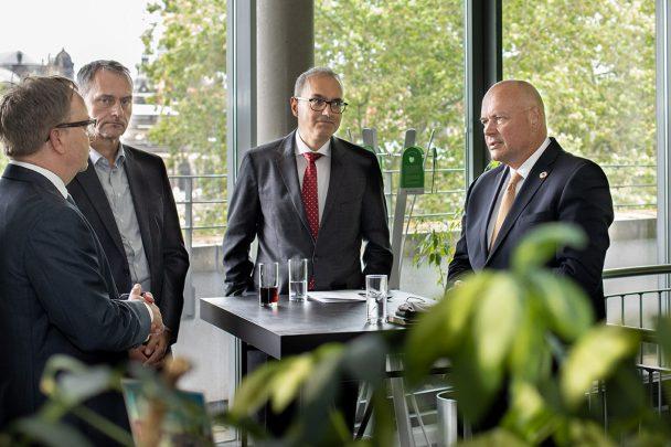 Digital – aber sicher! BSI Präsident Schönbohm zu Gast bei SoftEd 4